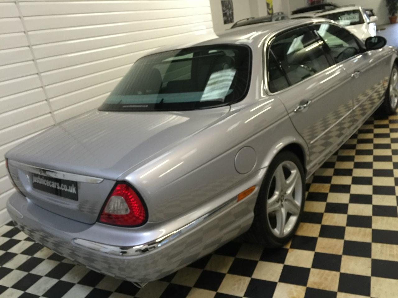 Jaguar XJ Series XJ8 4.2 V8 Sovereign [LWB] 4dr Auto~EX ROYAL CAR~ Saloon Petrol Liquid Silver