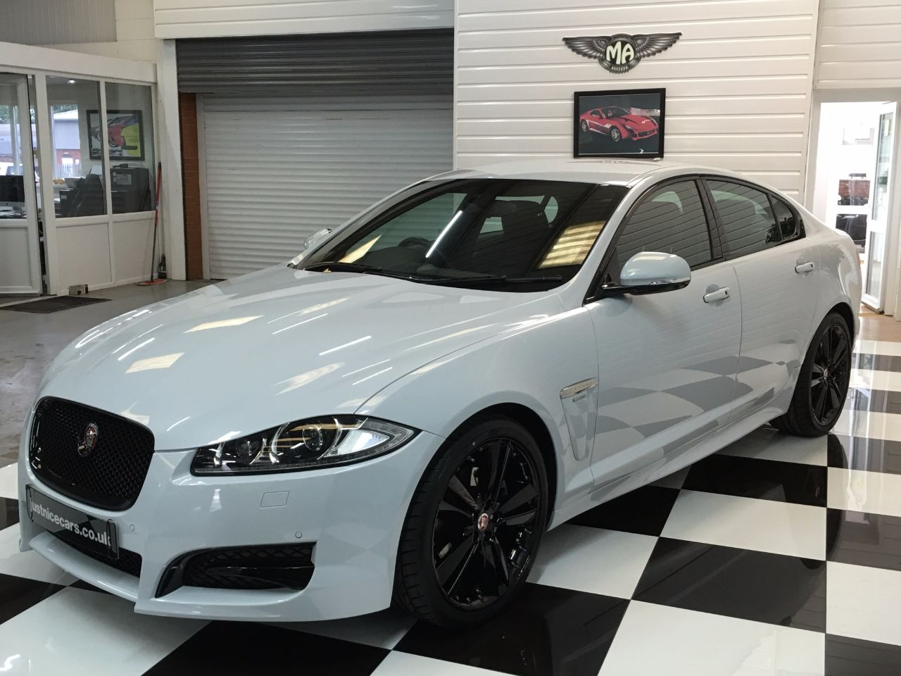 used jaguar xf v6 r sport black le 4dr auto 240bhp big spec for sale in scunthorpe. Black Bedroom Furniture Sets. Home Design Ideas