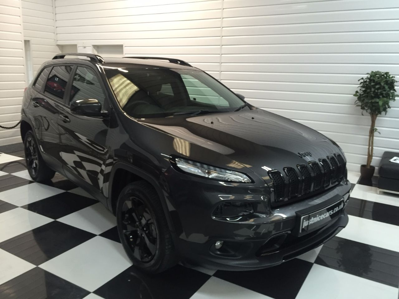 Jeep Cherokee 2.2 Multijet 200 Night Eagle 5dr Auto Estate Diesel Grey