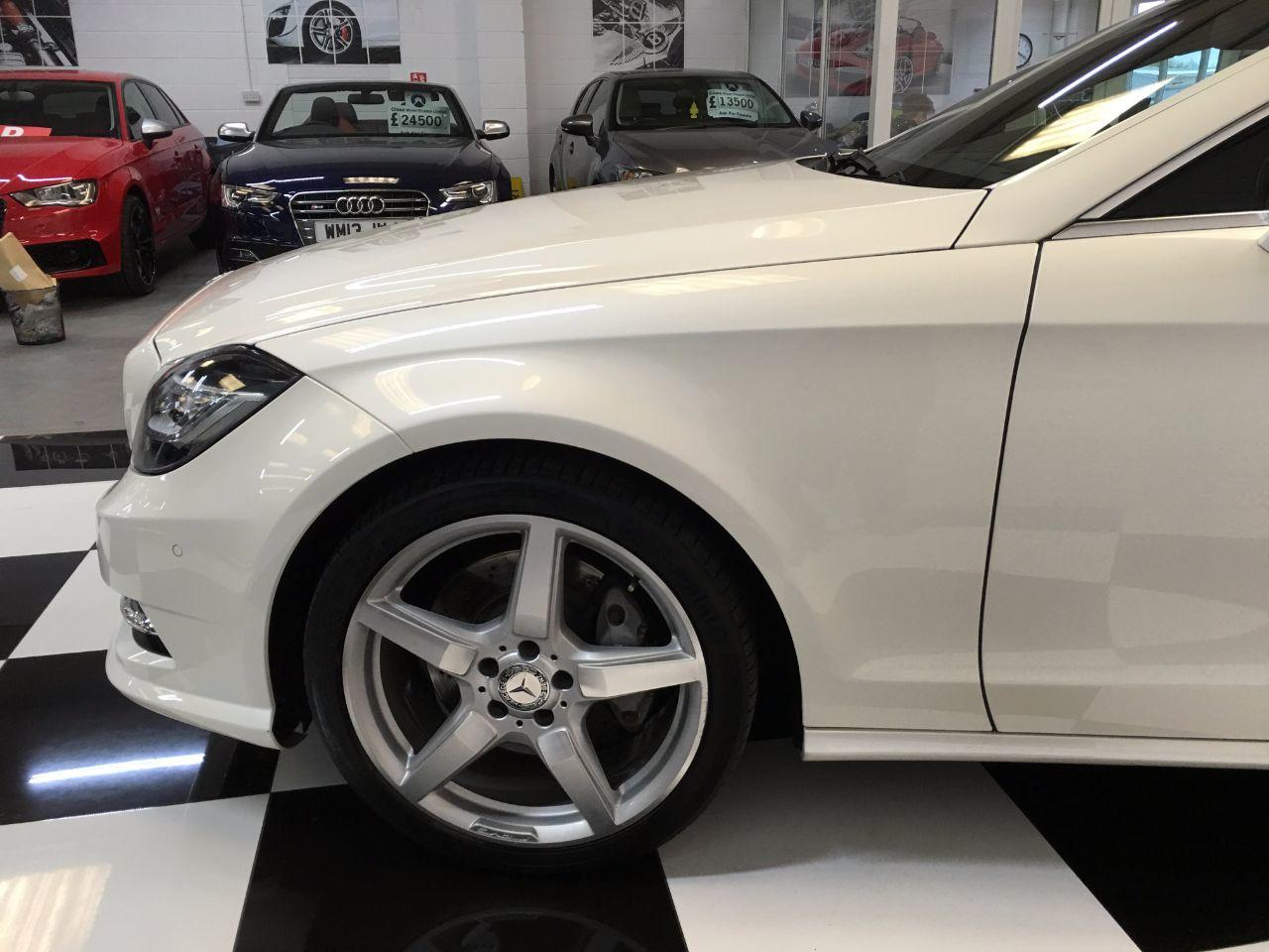 Mercedes-Benz CLS 3.0 CLS 350 CDI BlueEFFICIENCY AMG Sport 4dr Tip Auto Coupe Diesel Calcite White