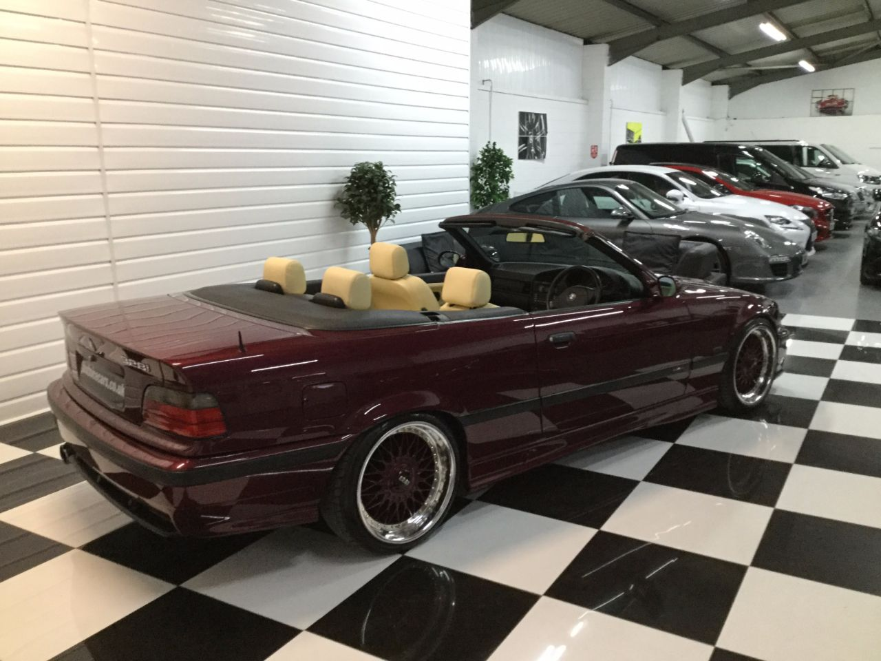 BMW 3 Series 2.8 328i 2dr Auto Convertible Petrol Romatic Red