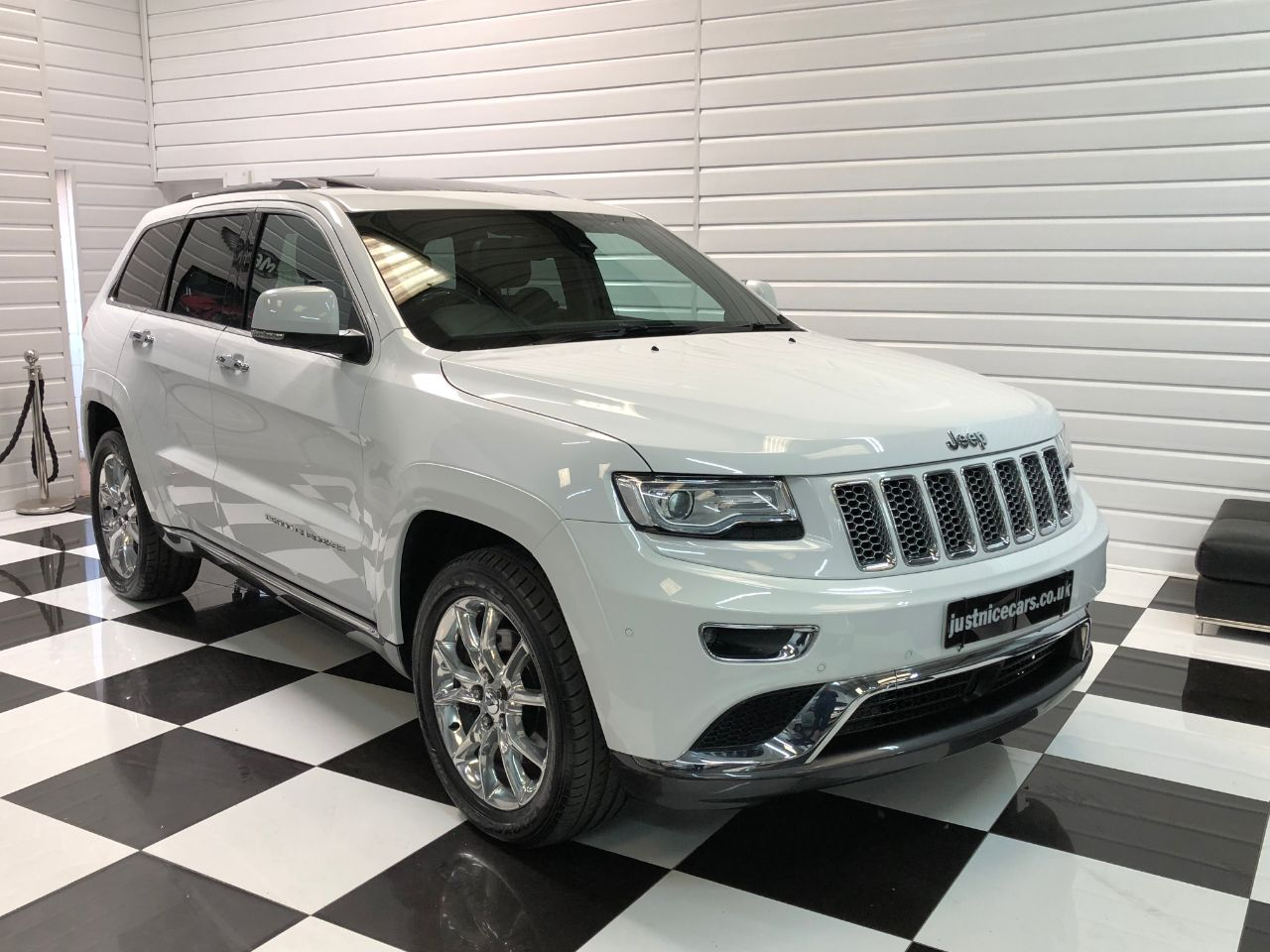 Jeep Grand Cherokee 3.0 CRD Summit 5dr Auto Estate Diesel White