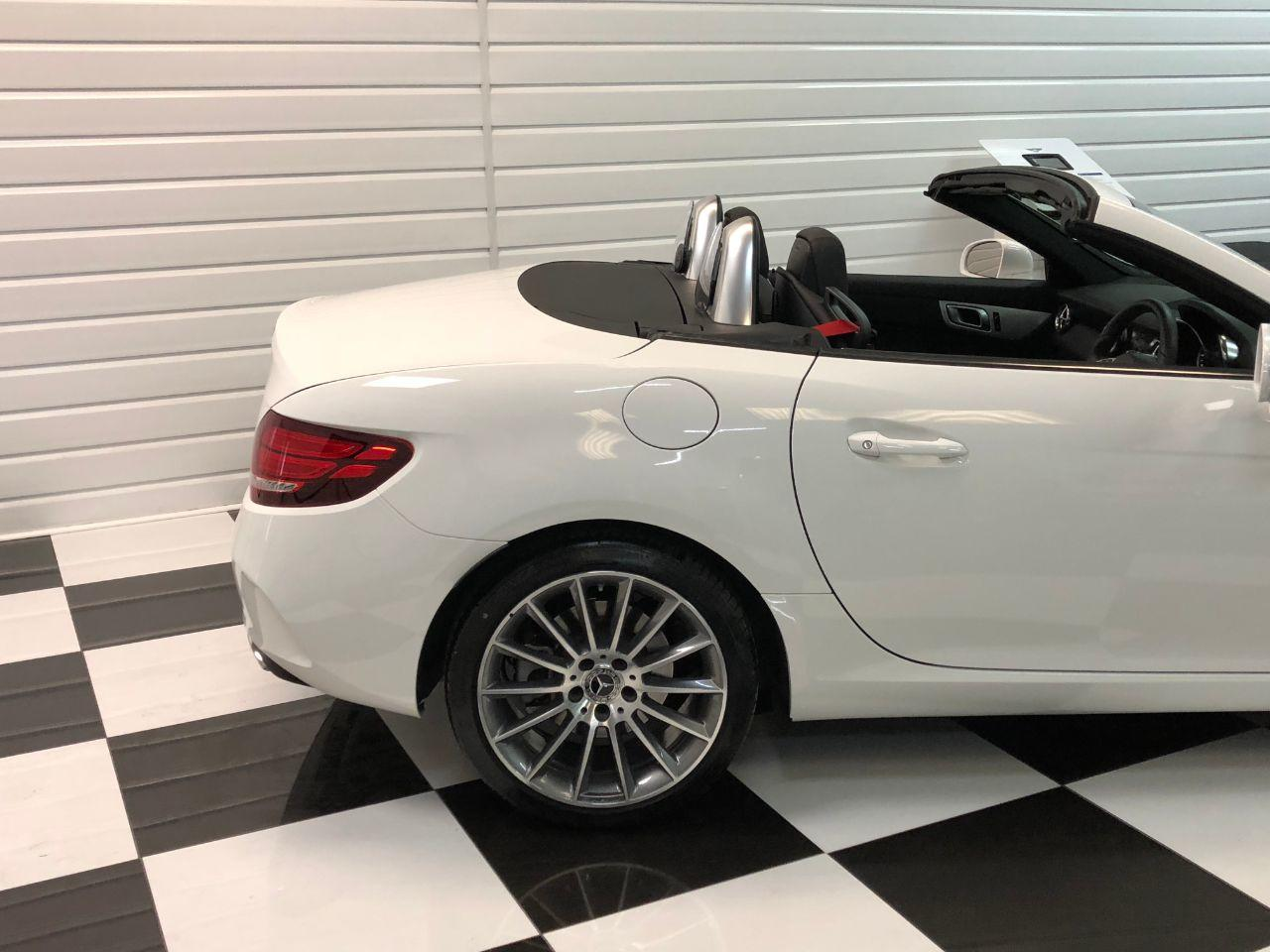 Mercedes-Benz SLC 2.0 SLC 200 AMG Line 2dr 9G-Tronic Convertible Petrol White