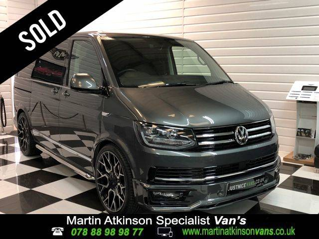 Volkswagen Caravelle 2.0 TDI BlueMotion Tech 150 Executive 5dr DSG Minibus Diesel Indium Grey