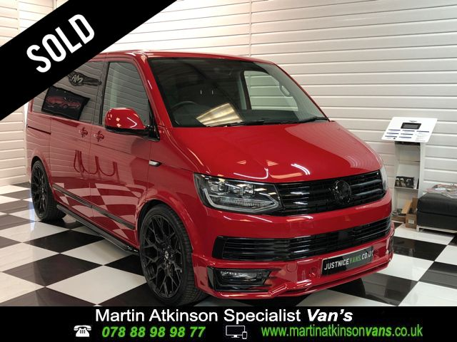 Volkswagen Caravelle 2.0 TDI BlueMotion Tech 150 Executive 5dr DSG Minibus Diesel Cherry Red