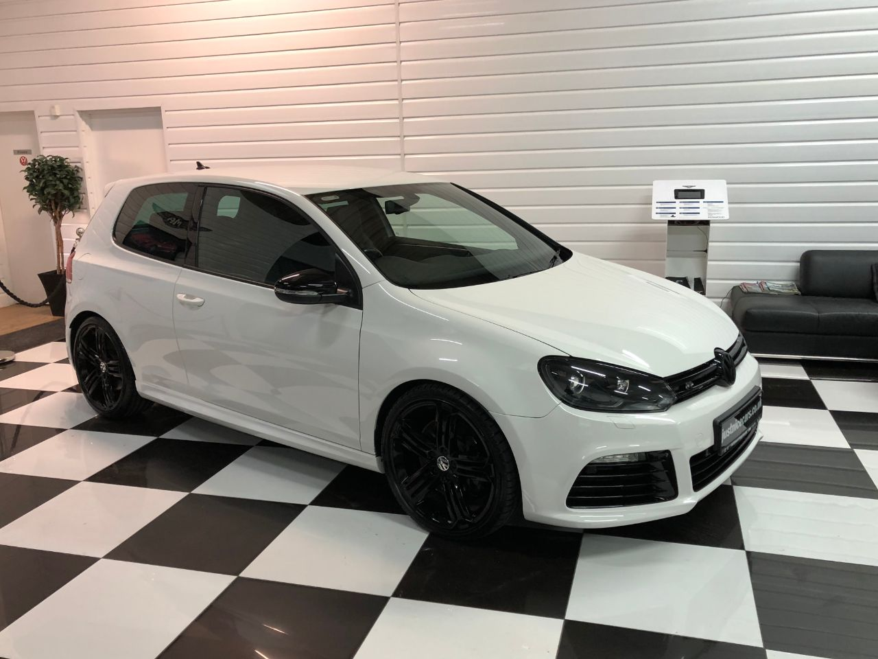 Volkswagen Golf 2.0 TSI R 4MOTION 3dr DSG Auto Hatchback Petrol Gloss Candy White
