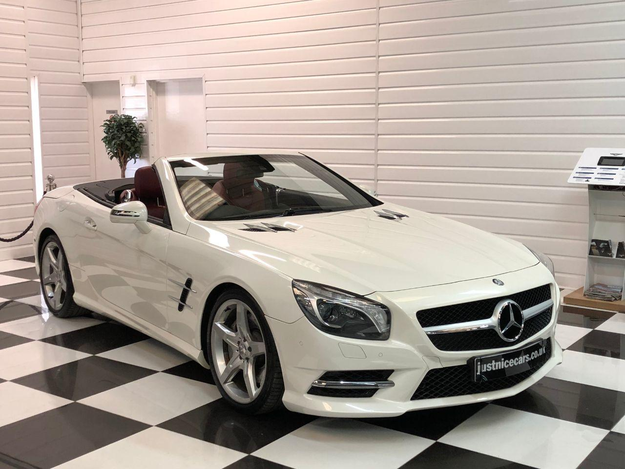 Mercedes-Benz SL Class SL 500 4.7 V8 Auto Convertible Petrol Diamond White Metallic